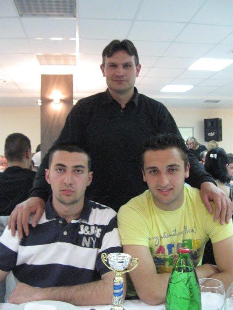 Učenici Tehničke škole Smederevo: Momčilović Vladimir i Kostadinović Filip i profesor Vemić Dejan